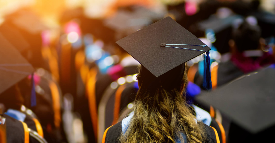 7 Signs It's Time to Pursue Your Graduate Degree